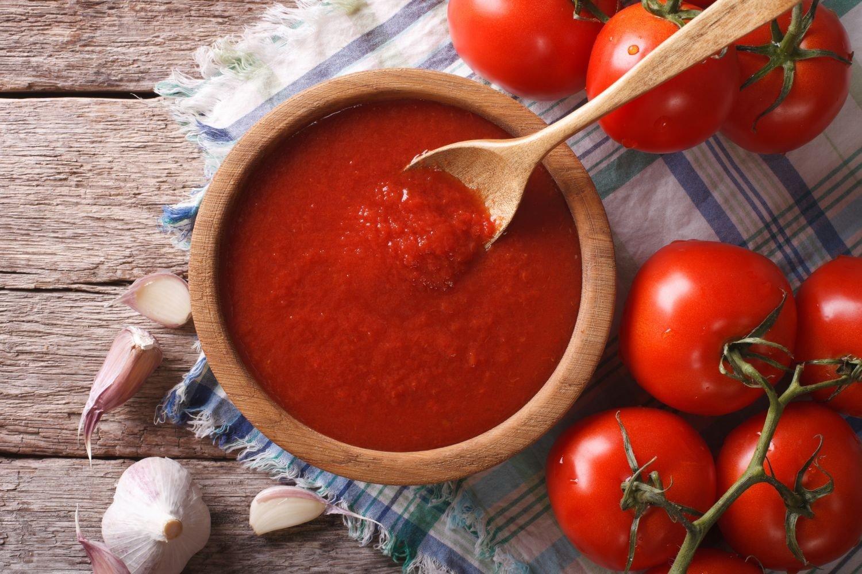 Кетчуп из помидоров на зиму Пальчики оближешь: домашние 18