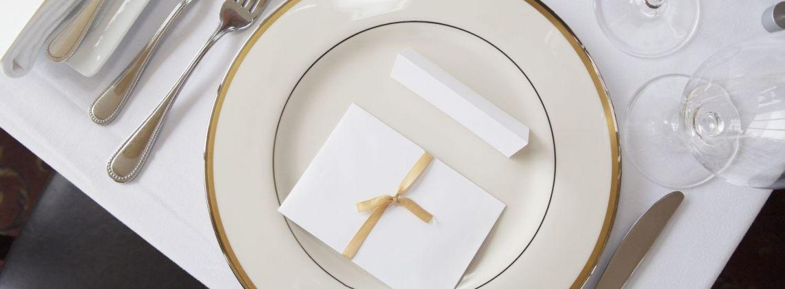 Savoir… co? Jak zachowywać się przy stole?