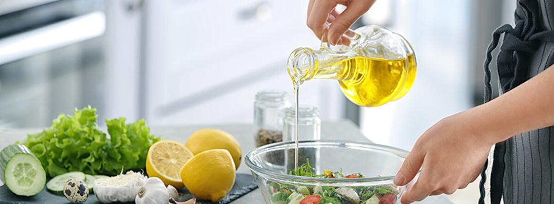 Tłuszcze w kuchni – jaki do czego używać?