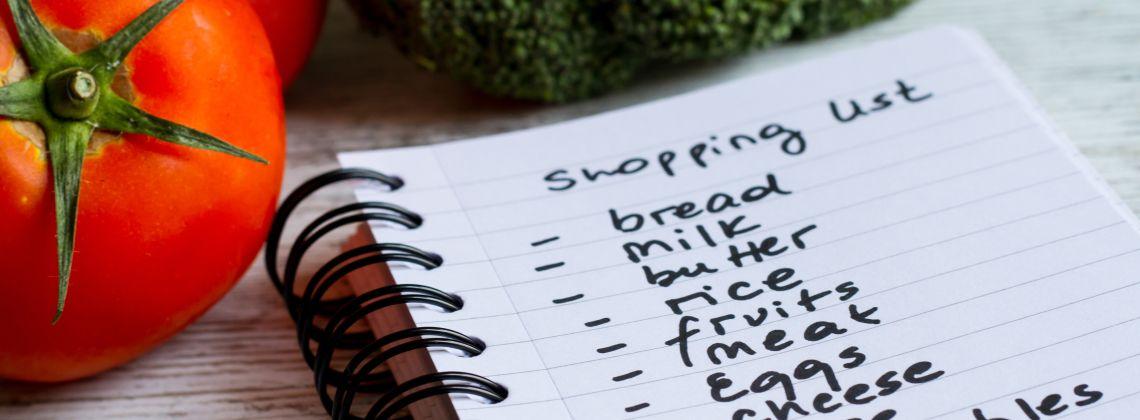 Lista zakupów – co warto zawsze mieć w lodówce?