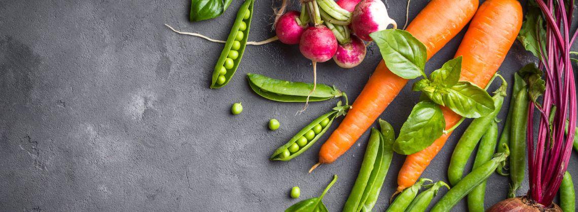 Nowalijki wiosenne – jeść czy nie jeść?
