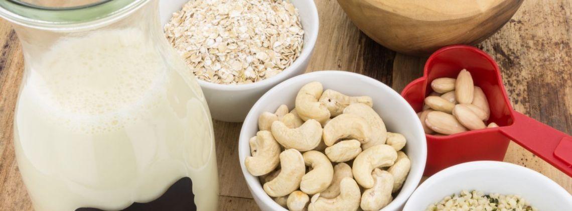 Czym właściwie są mleka roślinne?