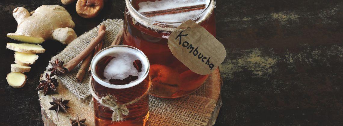 Kombucza (kombucha) – co to jest, właściwości, jak pić