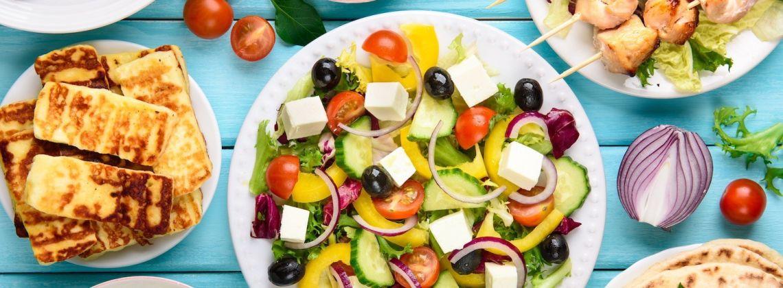 Kuchnia grecka: gyros, tzatiki, musaka i inne dania