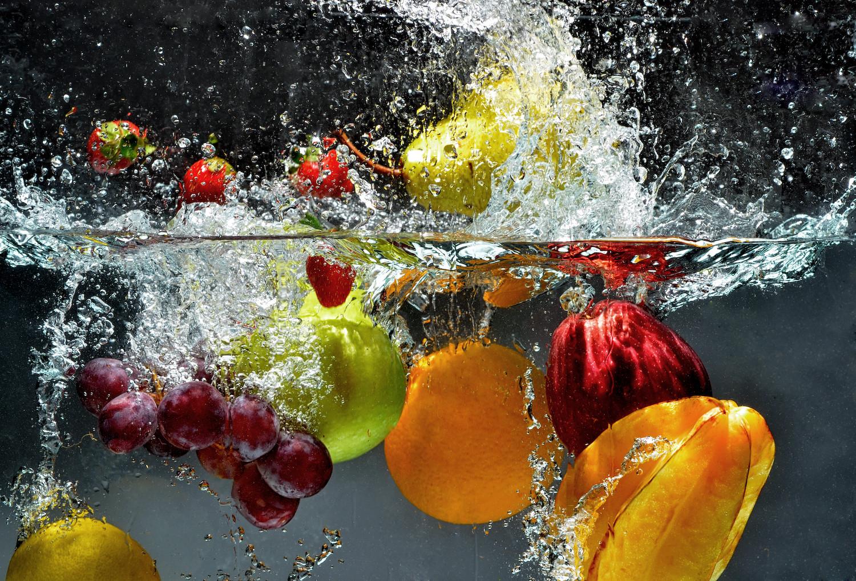 Zdrowe jedzenie to czyste jedzenie. Jak prawidłowo myć owoce i warzywa?