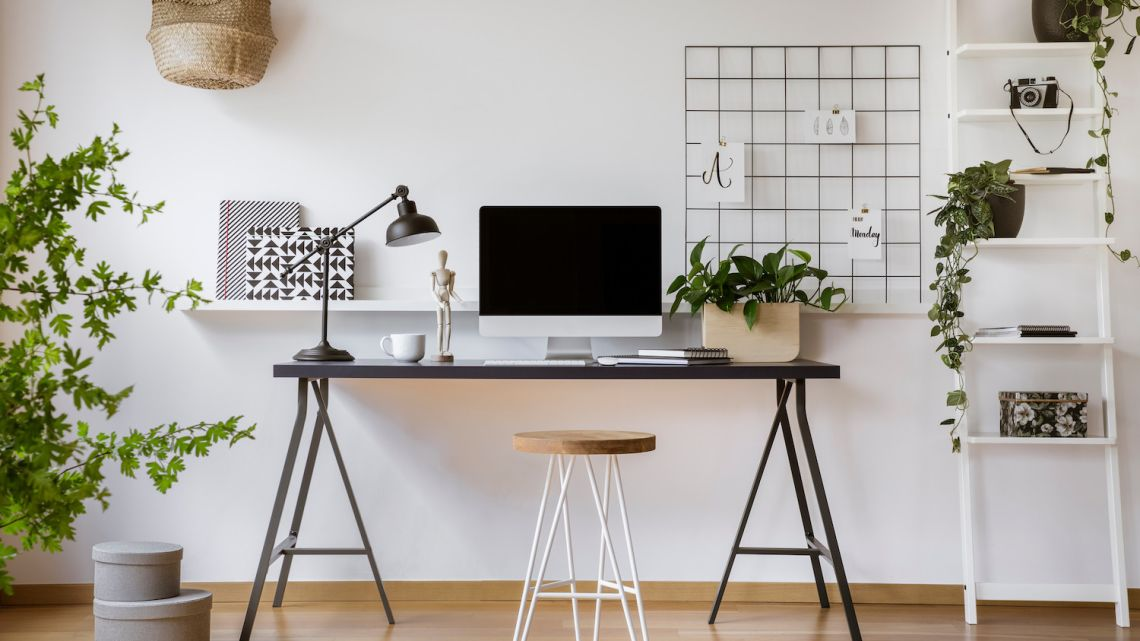 Home office – czyli jak szybko zaaranżować kącik do pracy?