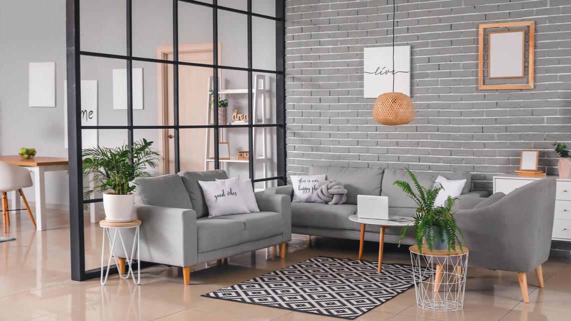 Ścianki działowe we wnętrzach: ażurowe, drewniane, parawany
