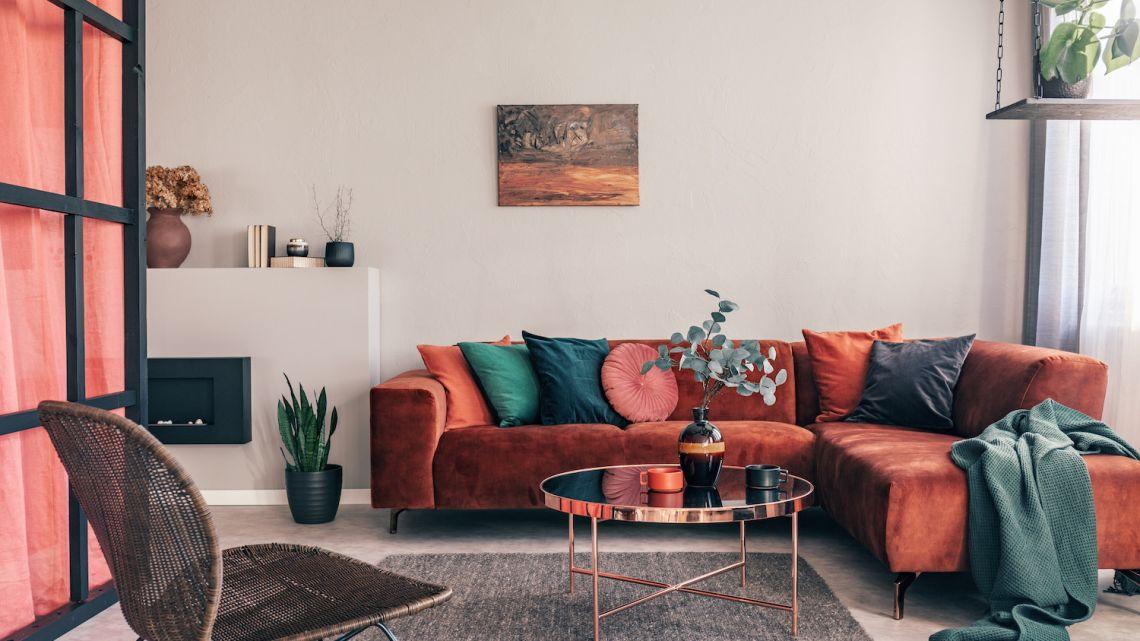 Zimowa dekoracja salonu – jak przystroić mieszkanie na zimę?