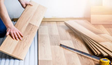Panele podłogowe – rodzaje, pielęgnacja, montaż