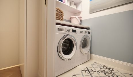 Pralka i suszarka w domu – jak nie oszpecić naszego mieszkania