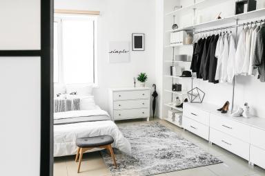 Garderoba – w sypialni czy w osobnym pomieszczeniu?