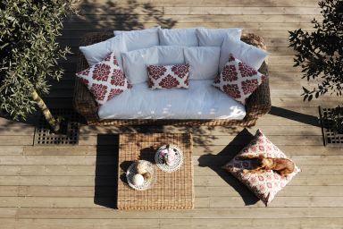 Meble na taras i balkon – jakie wybrać?