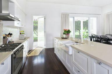 Wiosenne porządki. Jak przeprowadzić skuteczne i szybkie sprzątanie domu krok po kroku?