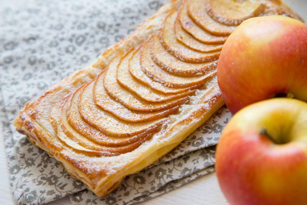 ciasto francuskie z jabłkami, przepis na ciasto francuskie z jabłkami