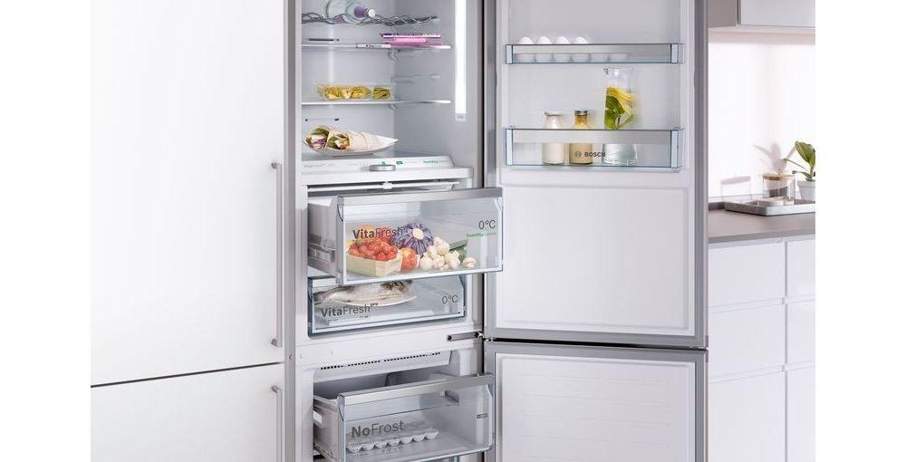 lodówka, otwarta lodówka, jedzenie w lodówce