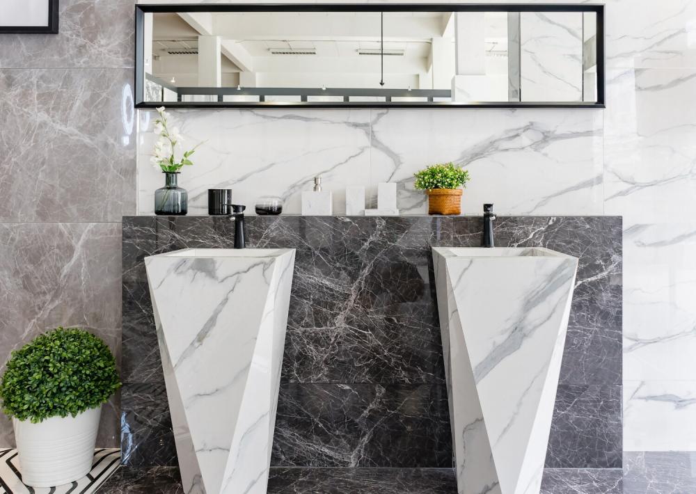 płytki do łazienki imitujące marmur