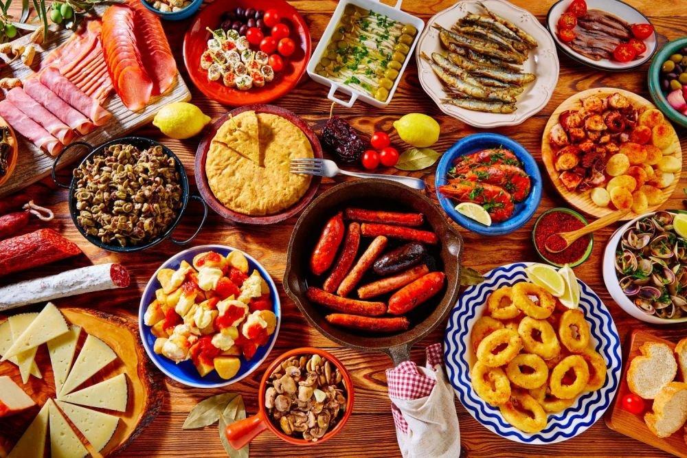 paella, owoce morza, oliwa, hiszpańskie jedzenie