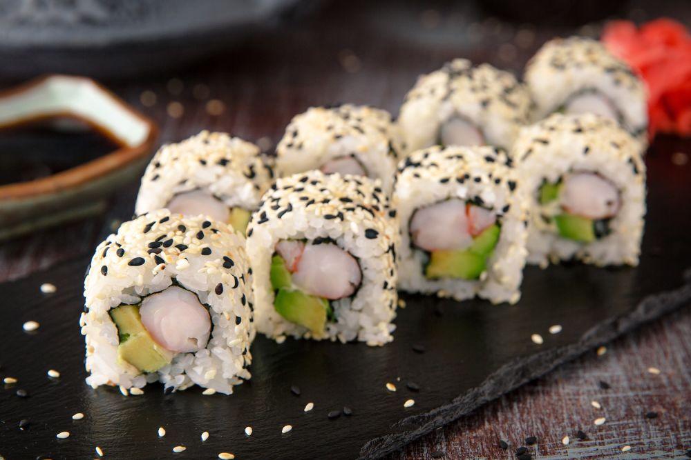 sushi uramaki, kuchnia japońska