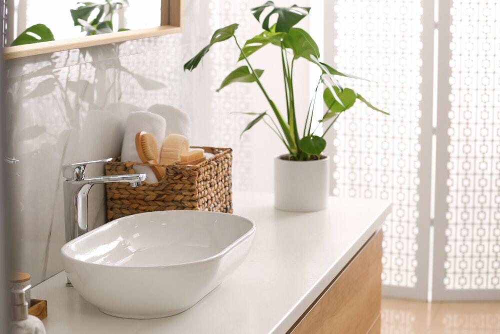 łazienka w stylu japońskim, minimalistyczna łazienka
