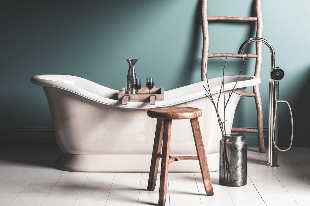 wanna wolnostojąca, łazienka w stylu rustykalnym
