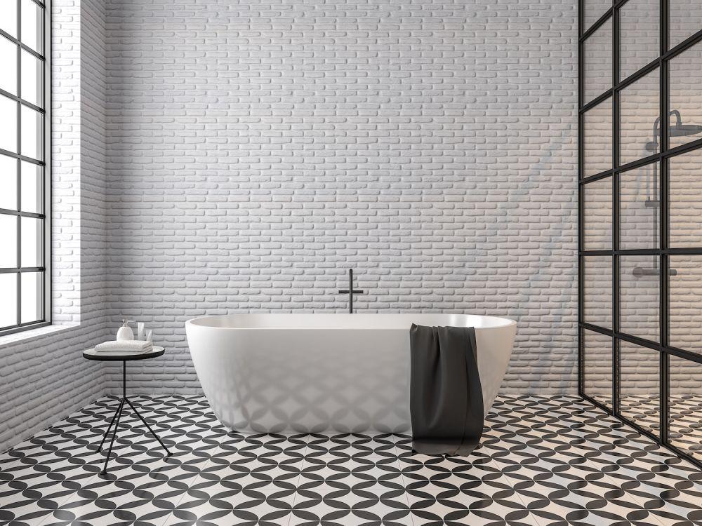łazienka, biało-czarne płytki