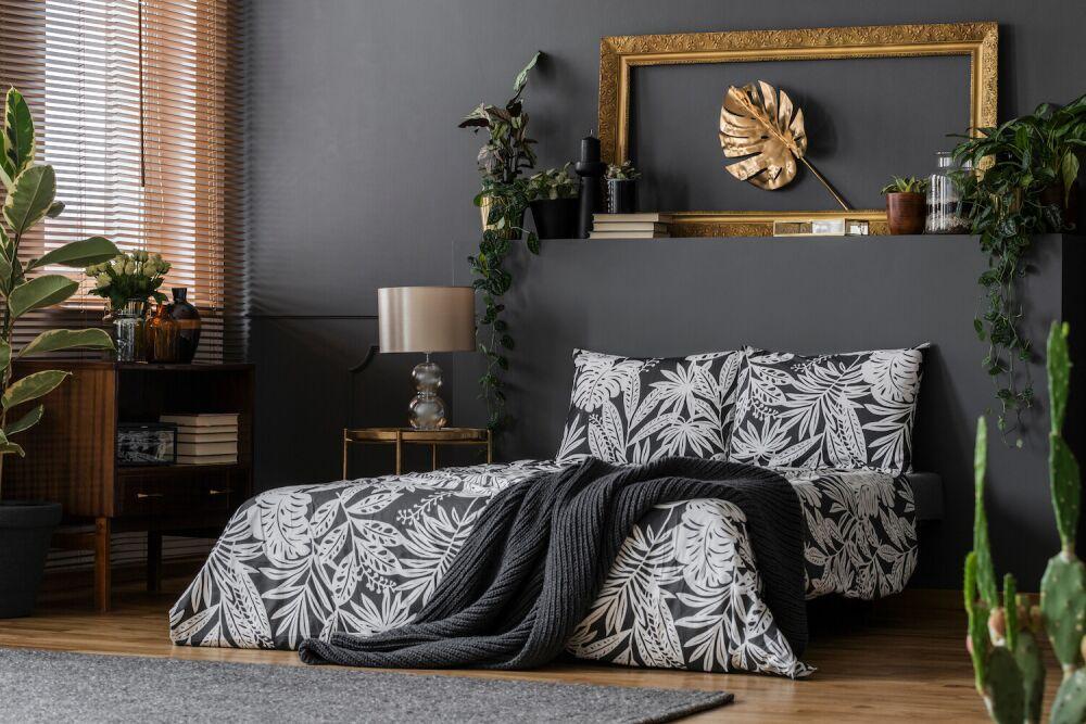 mieszkanie w stylu ubran jungle, sypialnia w kwiatach, nowoczesna sypialnia