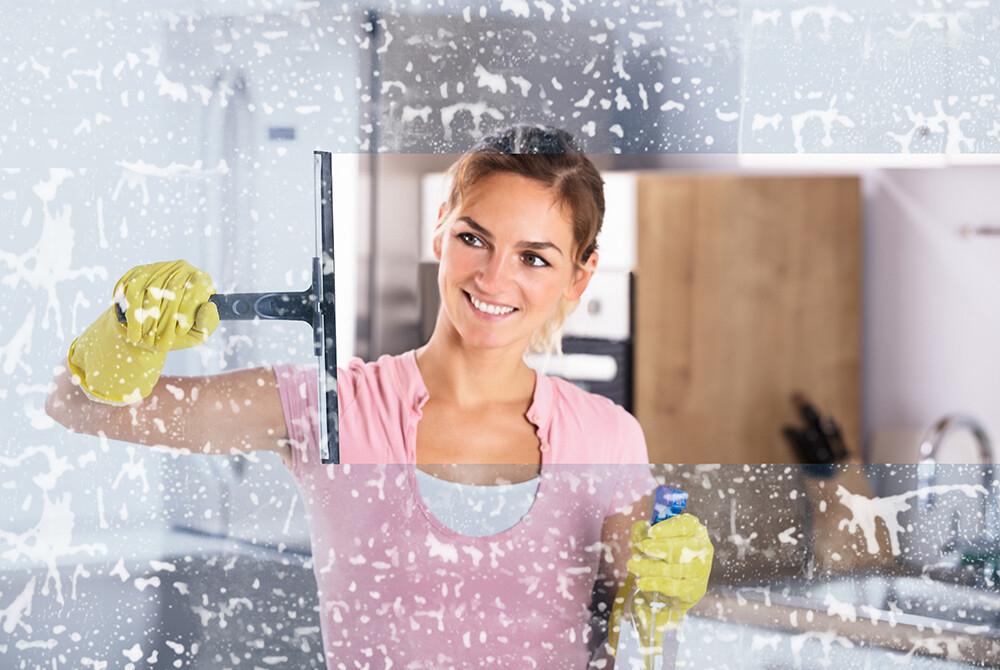ściąganie piany z szyb, mycie okien