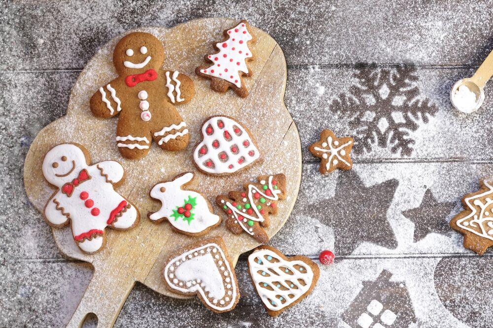 pierniczki, dekorowanie pierniczków. świąteczne wypieki, ciasteczka świąteczne