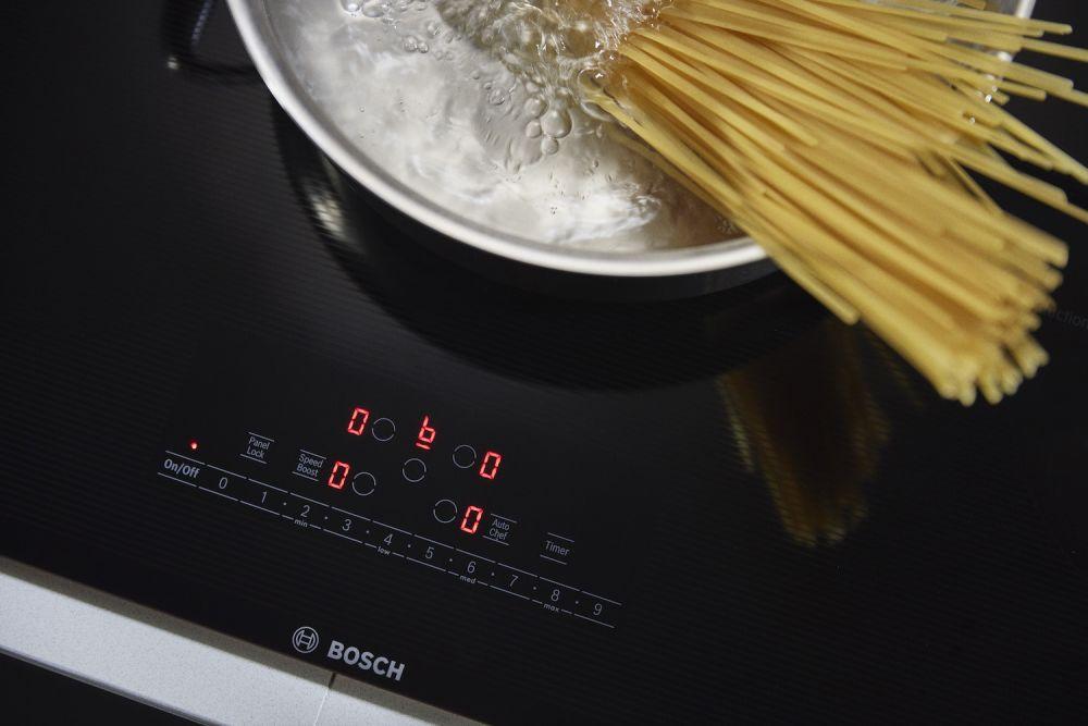 makaron gotowany na płycie indukcyjnej