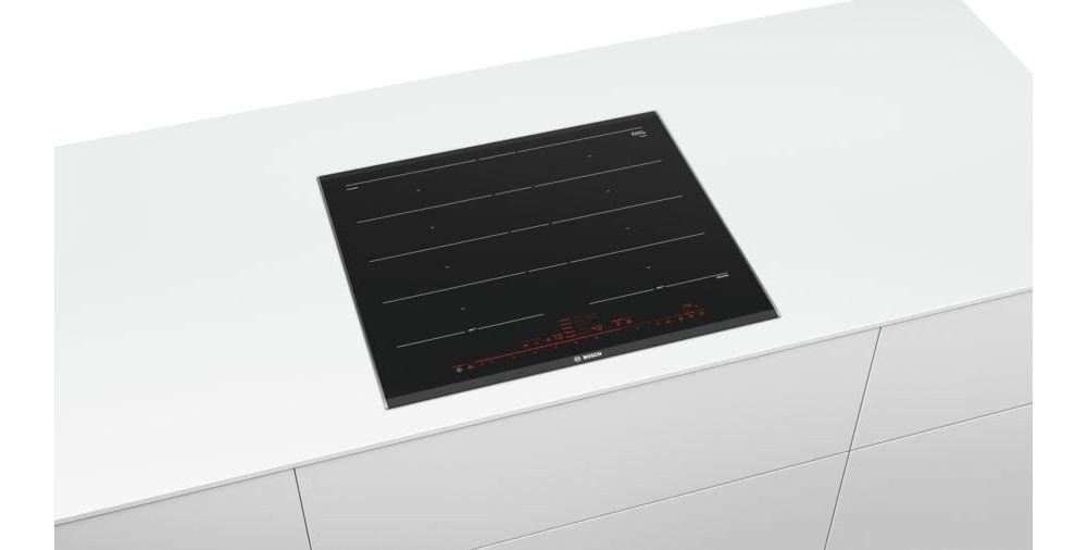 płyta indukcyjna na białym blacie