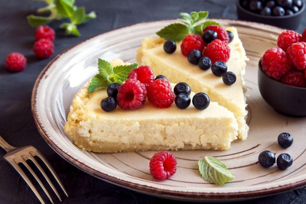 Sernik na trzy sposoby: na zimno, z czekoladą i z owocami - zdjęcie 3