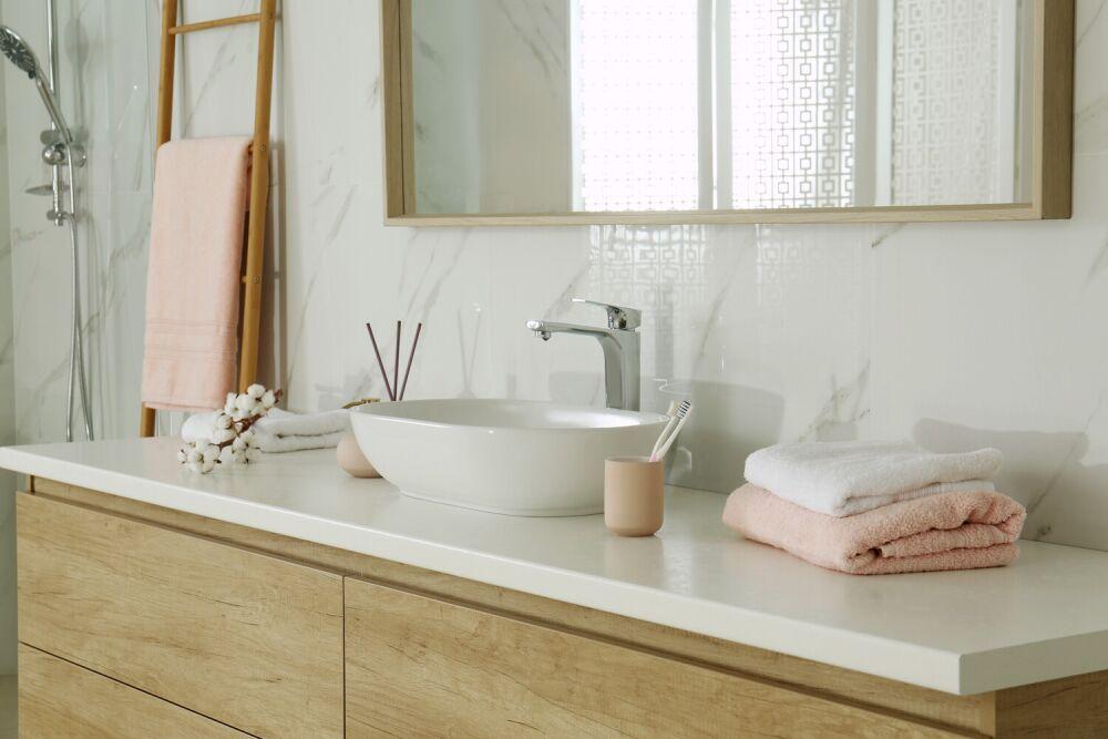 dodatki do łazienki, różowe dodatki do łazienki