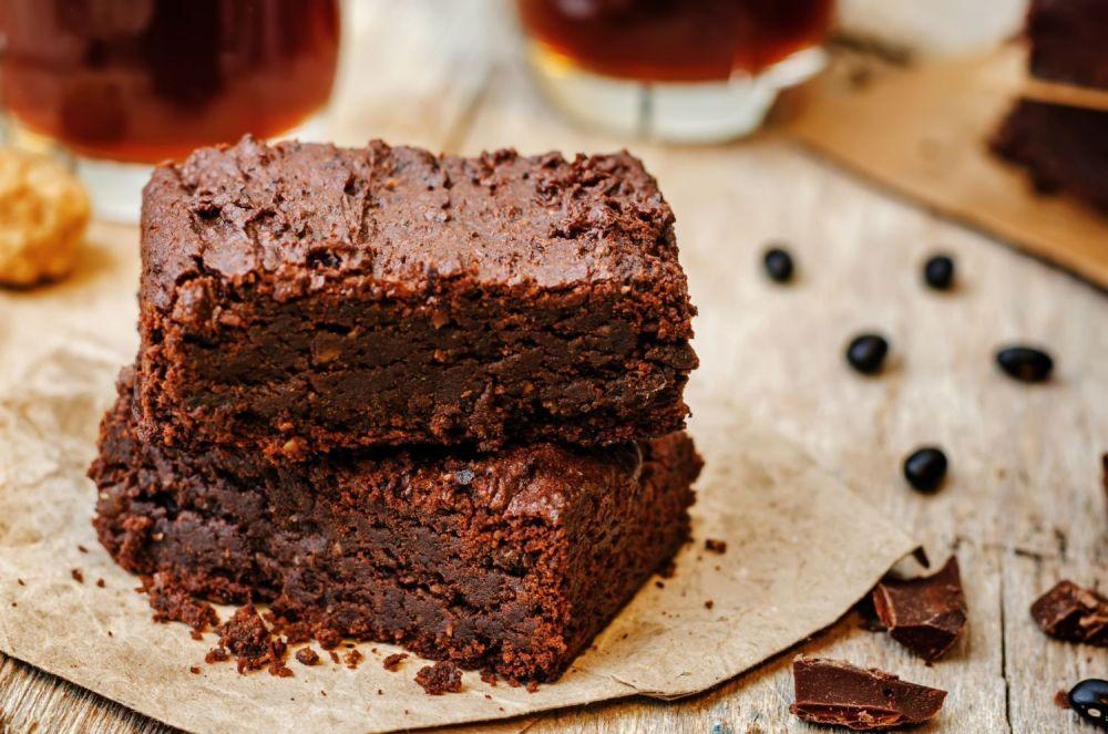 cisto, wegańskie ciasto, brownie z fasoli