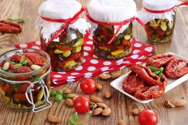 Pomidory suszone z ziarnami i pestkami