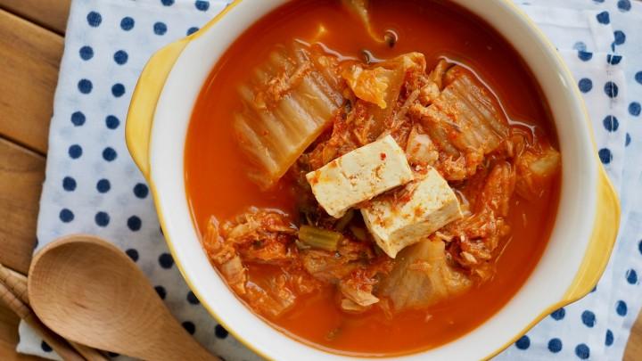 Kimchi – potrawa ze sfermentowanych warzyw to kulinarny symbol…