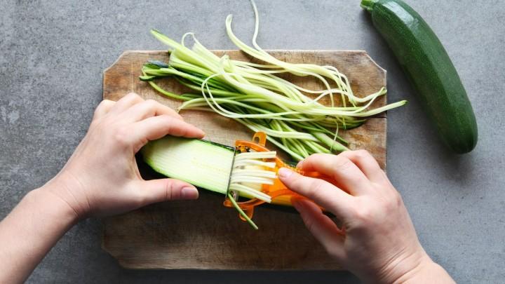 Jak nazywa się przedmiot, którym można zrobić warzywne spaghetti?