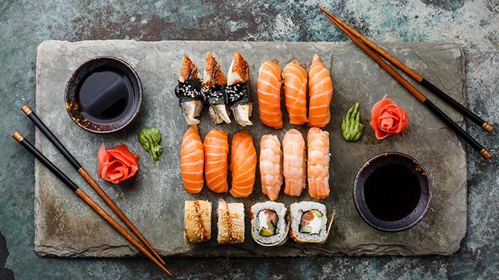 W Japonii króluje sushi, można je zjeść nawet w formie: