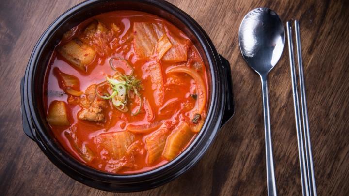 Kimchi pochodzi z…