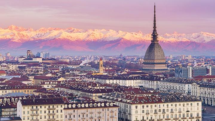 W listopadzie 2012 roku zamówiono smażone bakłażany, lasagne, risotto z sosem pesto oraz tiramisu u Davide Scabi, kucharza prowadzącego restaurację w Turynie. Dania zamówiono dla…