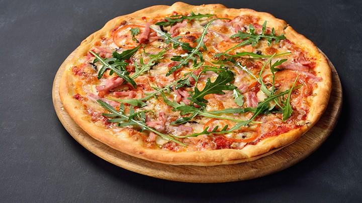 Pizzy neapolitańskiej nie kroi się w trójkąty.