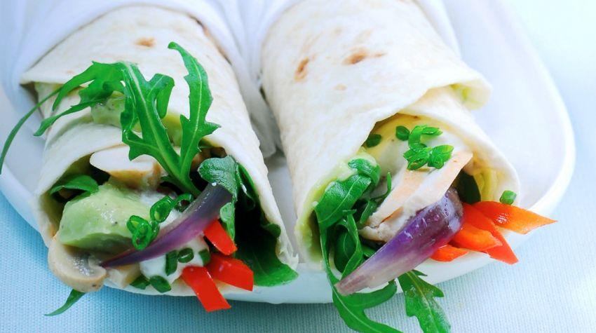 Meksykańskie wrapsy kurczakowo-warzywne