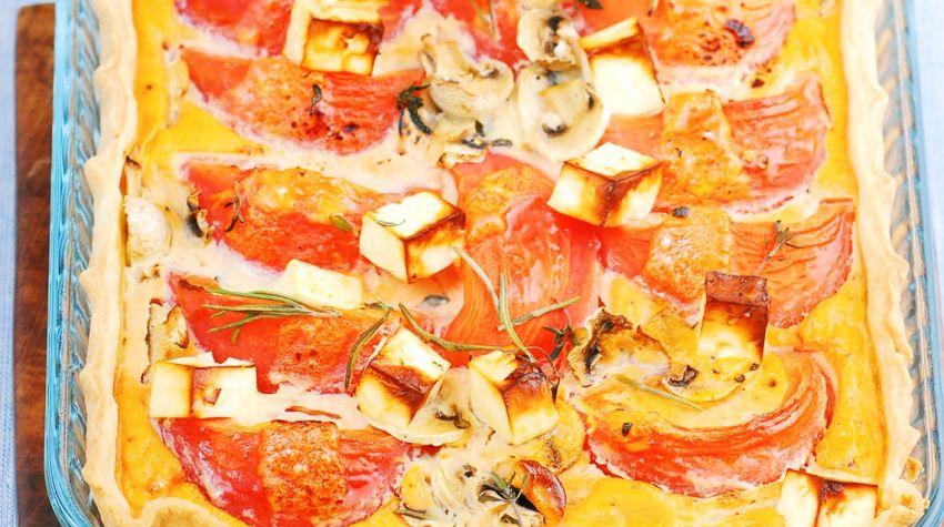 Mała tarta pomidorowa