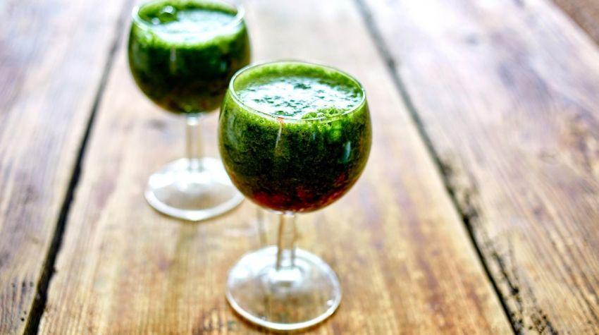 Pyszny zielony koktajl
