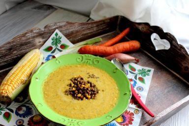 Zupa ze świeżej kukurydzy z soczewicą