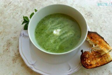 Zupa z cukinii z miętą