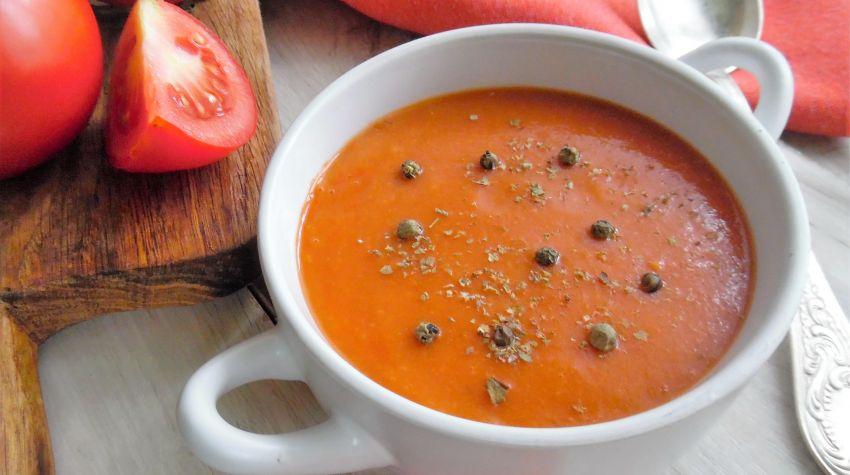 Wytrawna zupa pomidorowa na ostro