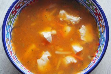Dyniowa zupa z kurczakiem i ciecierzycą