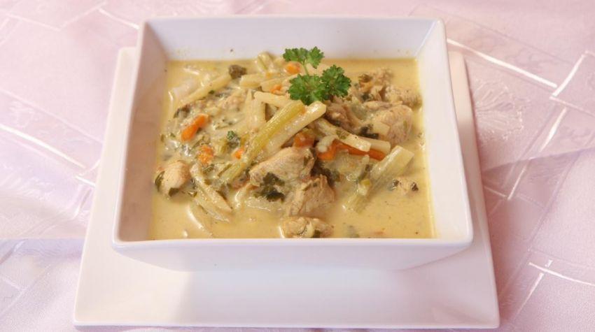 Zupa a'la tajska