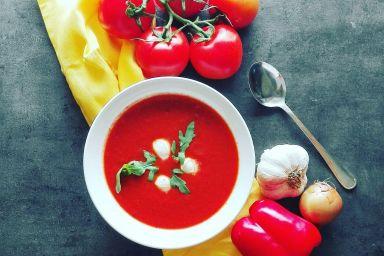 Krem z pieczonej papryki i pomidorów z tymiankiem