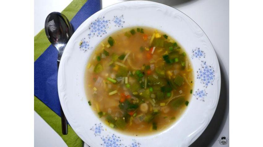 Luizjańska zupa z kukurydzą i krewetkami